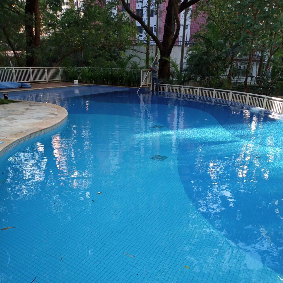 Limpeza de piscina 04
